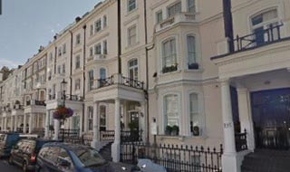 sw5 professional furniture cleaning in earls court
